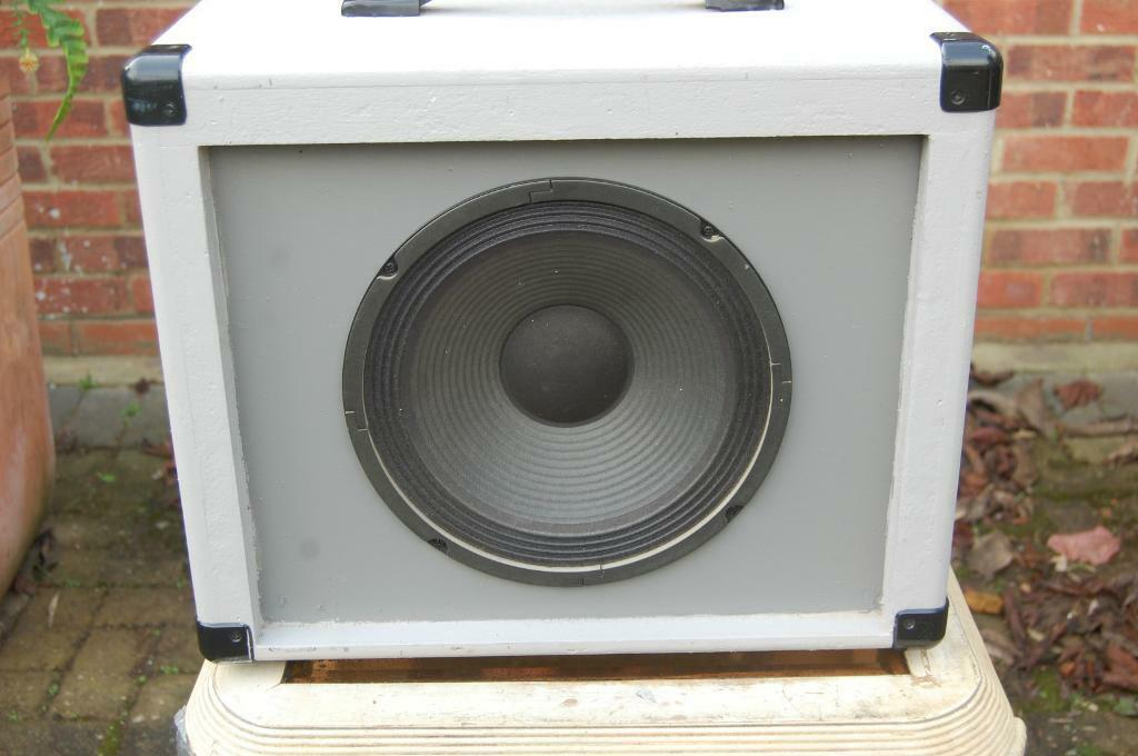 kustom bass amplifier in hounslow london gumtree. Black Bedroom Furniture Sets. Home Design Ideas