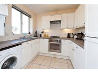 Barons Court Road - Well-presented one bedroom apartment