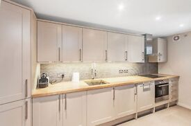 CHECK THE PRICE! 3 bed maisonette available NOW in Warwick Avenue/Maida Vale **£475pw**