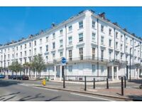USE AS A 2 OR 3 BEDROOM FLAT!! PRIME LOCATION - CALL TODAY.
