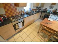 5 bedroom house in Bertha Street , Treforest,