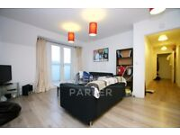 HUGE 3 BED / 2 BATH TOP FLR APMT- SECONDS FROM KILBURN STN- OFF HIGH ST- GREAT LOCATION- 07398726641