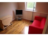 * Private landlord * 2 bed compact, modern TOP floor flat in a GREAT location * Wood floors *