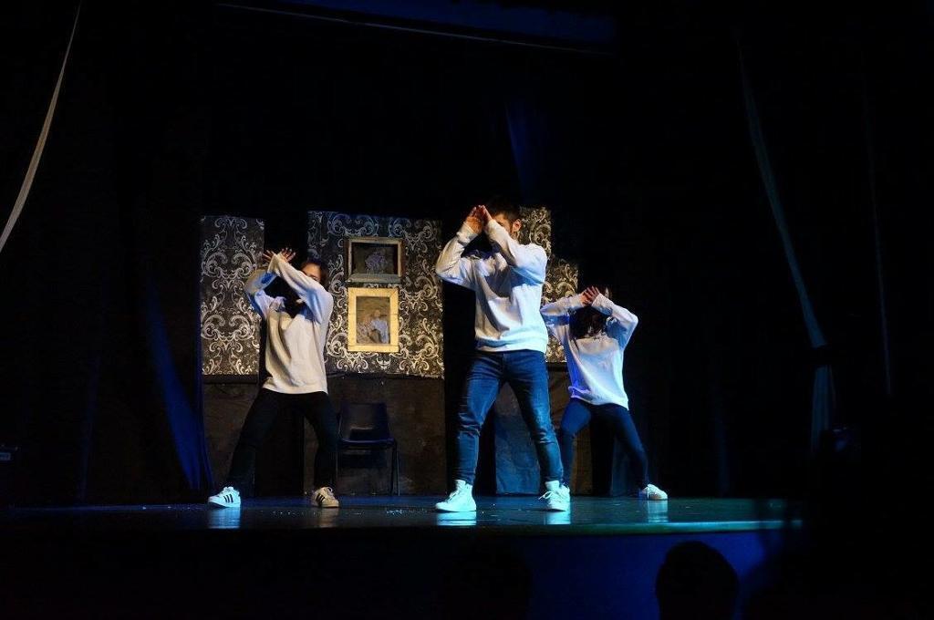 Dancers IMMEDIATE NEEDED