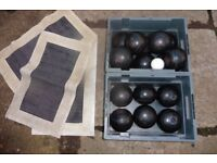 16 THOMAS TAYLOR LAWN BOWLS WITH JACK AND MATS £20 THE LOT