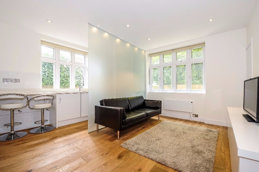 *** Fabulous one bedroom lower ground floor flat to rent set in St John's Wood £375pw/ £1625pcm ***
