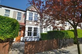NEWLY REFURBED 3 DOUBLE BEDROOMS HOUSE - Period Features - South Facing Garden