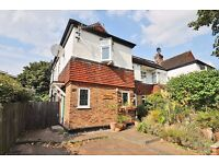 A bright and spacious two double bedroom maisonette to rent on Woodside