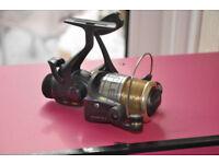 Shakespeare Oracle Freespool Bait runner type Fishing Reel 2511 035