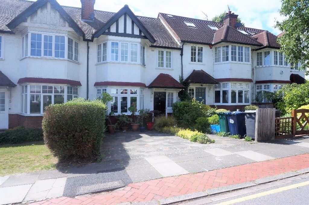 Superb family house to let, East Finchley, N2 - £2,535.00 per calendar month