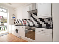 Amazing 1 bed flat, located only stone throw away from Walthamstaw Central Tube Station - £1,050pcm!