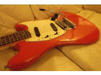 Fender Vintage rare 1972 Mustang guitar with new hard case