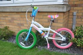 "16"" Avigo Love bike for kids. Aged 4-7 approx. Super condition, as new, perfect for a Christmas gift"