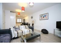 STUNNING APMT IN KILBURN- IDEAL FOR STUDENTS/SHARERS/COMMUTERS- 3 BED / 2 BATH- 020 7846 0846