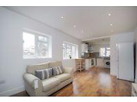 Split-level large double room flat, recently refurbished, plus study room. Battersea Park Road SW11