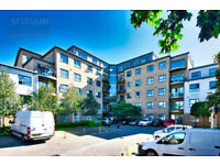 Contemporary 2 Bed + 2 Bath + Parking Apartment near Walthamstow Central E17