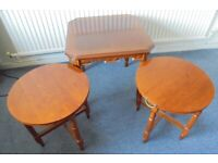 Coffee Table with Two Circular Folding Nesting Tables
