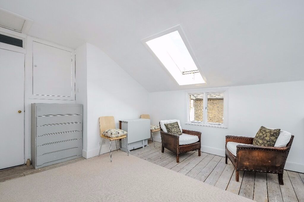 ***SHORT LET*** A wonderfully charming flat in Clapham Old Town. Cubitt Terrace, SW4