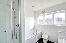 Ideal 3 Bedroom Family Home - Acton - Close to Transport - Great Garden - £2550 pcm