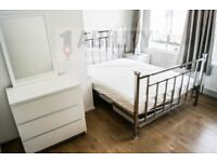 Refurbished 3 Double Bed flat,eat in kitchen diner,13 Min walk to Kennington tube,Available Aug 15