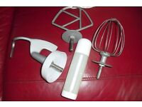 """SELECTION OF 3 """"KNEW OODLES"""" CHEF MIXER ATTACHMENTS + """"pampered chef"""" PUMP BOTTLE"""