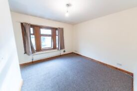 2 Bedroom split level flat, newly renovated, £1200 - +++ Part DSS accepted +++