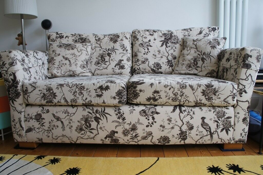 Sofa Freestyle 2 Seater Upholstered With Sanderson Pillemont Toile Black Linen Birds