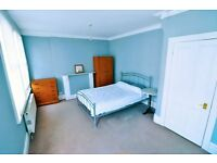 A spacious double room in a renovated luxury houseshare in Kensington available now, NO DEPOSIT REQ