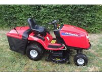 Ride on/sit and ride lawnmower with grass box