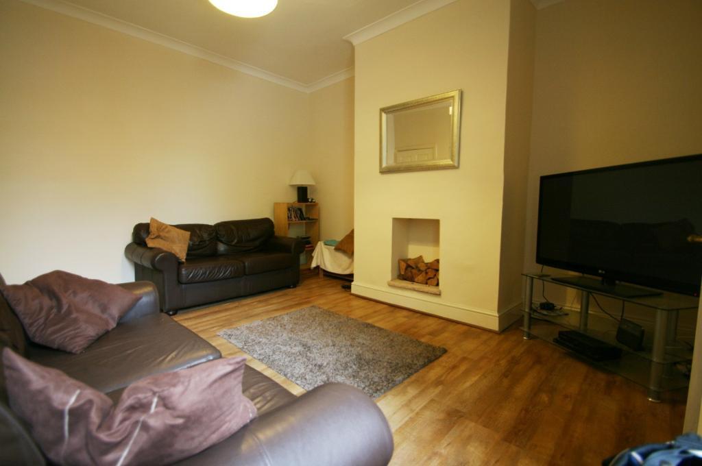 2 Bedroom Flat In Rothbury Terrace Heaton Newcastle Upon Tyne Ne6