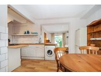 Spacious 3 Bed House With Garden SW18 Close to Southside Shopping Centre £2150pcm Available 14/10