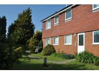 2 bedroom flat in Old Rectory Close, Bramley, Guildford