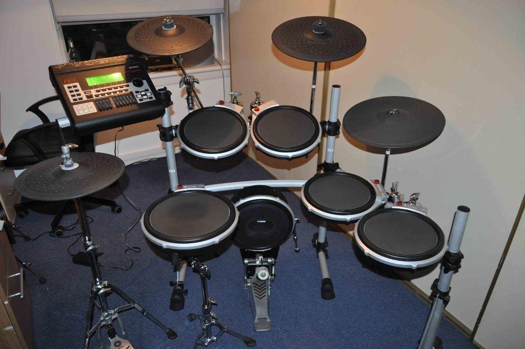 Yamaha dtxtreme iii electronic drum kit in mount florida for Yamaha drums electronic