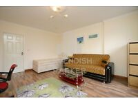 EXCELLENT 2 BED LOUNGE CONVERSION- GREAT FOR STUDENT/PROFESSIONALS- AMAZING LOCATION- MUST SEE