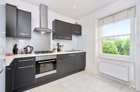 Lovely 3 bedroom flat near Kilburn Station (Jubilee line), 24h busses & local amenities