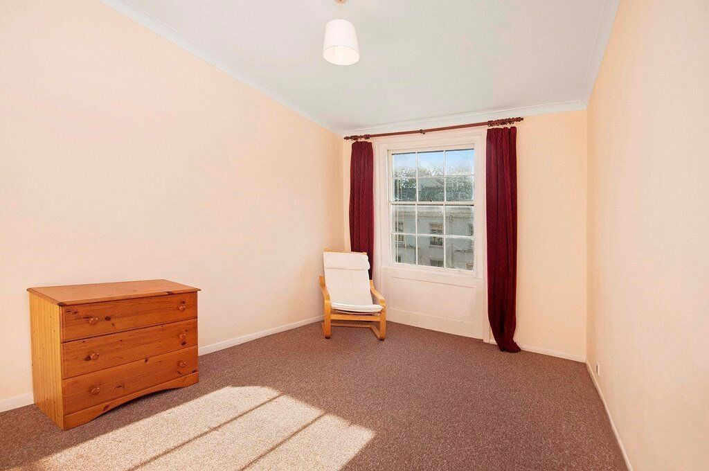 3 DOUBLE BED DUPLEX FLAT | WALKING DISTANCE TO PADDINGTON | SEPARATE LIVING ROOM