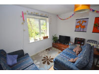 2 Bedroom flat in a convenient location from the University, City Center and local amenities.