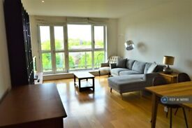 2 bedroom flat in Eaton House, London, E14 (2 bed) (#981161)