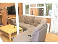 FANTASTIC DOUBLE ROOM IN ACTON - CLOSE TO TUBE - ALL BILLS INCLUDED *REDUCED RENT*