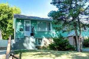 ***948 - 8 STREET SOUTH 2 BEDROOM SOUTH SIDE***