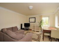 High View Road SE19 - Two bedroom apartment offered in great condition for rent in Crystal Palace