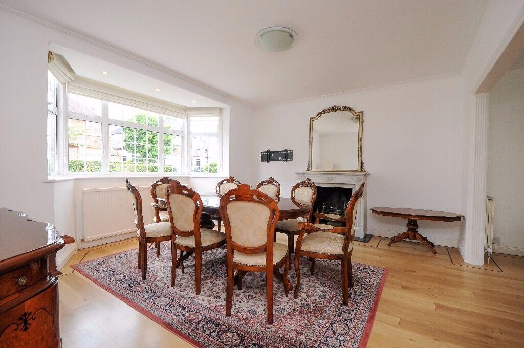 SIX BEDROOM DETACHED HOUSE ON BEAUFORT ROAD. FOUR EN-SUITES/AIR-CON/FRONT & BACK GARDEN. £5499 PCM