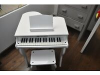 Children's White 37 Key Concert Grand Piano (Schoenhut Brand)