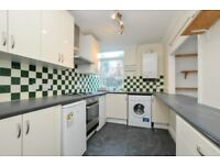Lordship Park, two bed flat located 10-15 minutes from Manor House tube