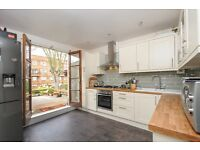 A two bedroom, two bathroom split level conversion flat on Abbeville Road - £2150 per month