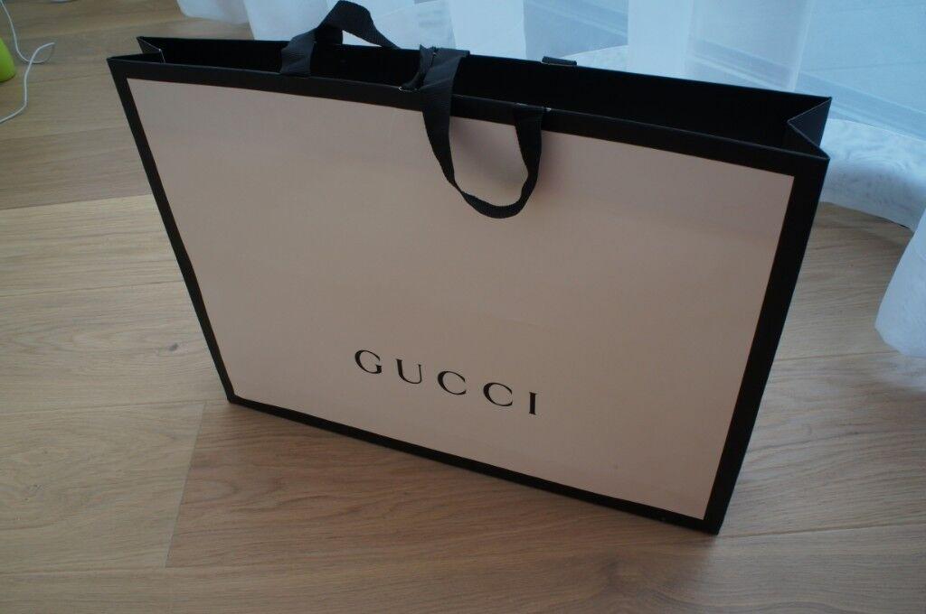 d1b1993ebf8 Large Gucci carry paper bag