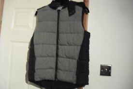 AGE 12/13 YEARS BOYS BODY GILLET IN EXCELLENT CONDITION