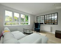 Immaculate 3 bedroom House with private Garden in Fantastic Location Bride Street N1.