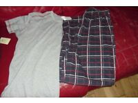 SIZE MEDIUM PAIR MEN'S PYJAMAS LONG BOTTOMS + SHORT SLEEVE TOP