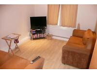 2 BEDROOM FLAT * NEWLY REFURBISHED * WOODHOUSE * DELPH COURT * STUDENTS WELCOME!